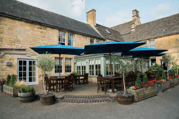 The Noel Arms is ideal if you are looking for accommodation in Chipping Campden. It is the perfect spot for a break in the Cotswolds, as well as weekend escapes to the country, and the historic Cotswold Way, which winds its way through glorious countryside, starts right outside the front door, making this the perfect base for hikers and ramblers alike.
